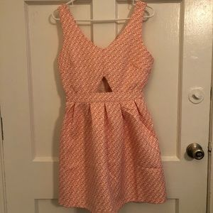 Very cute and chic Guess dress